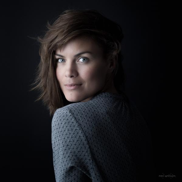 Portrait einer sehr schönen Frau Blick in die Kamera