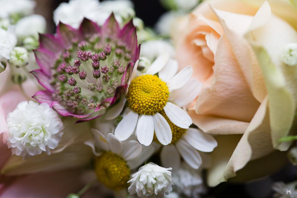 Flowerpower Hochzeit, Haarschmuck Blüten Hippie-Style Gutshof Ladenburg, real wedding