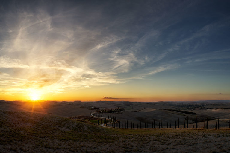 Sunset near Asciano, Portfolio, Toskana, Herbst, Workshop, Workshops, Fotografie, Panorama, Photography, Ernst Merkhofer, Fotograf, Landschaft,