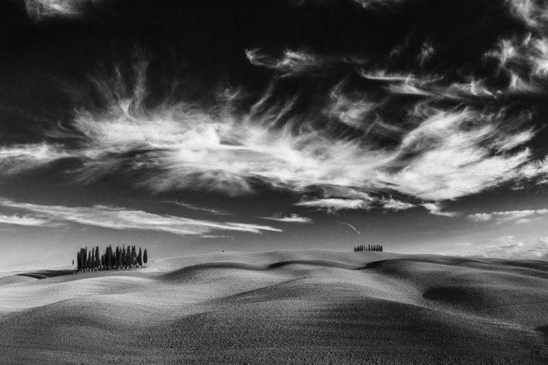 dramatische Woken über der meist fotografierten Baumgruppe in der Toskana, Portfolio, Herbst, Workshop, Workshops, Fotografie, Panorama, Photography, Ernst Merkhofer, Fotograf, Landschaft,
