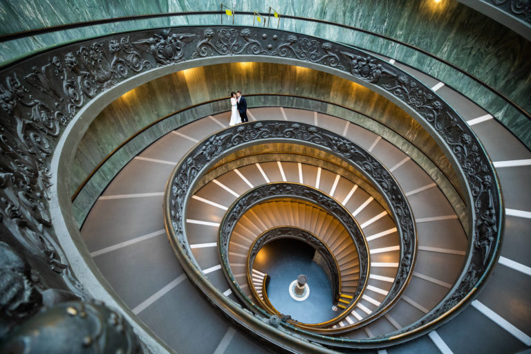 RomAntik , Ernst Merkhofer Exclusive, Fotograf, Rom , Signature Shot, Exlusive, Ernst Merkhofer, Pärchen, junges Paar, Foto Session, Photo Shoot, Staircase, Love, Portraits, Portrait, Rome,